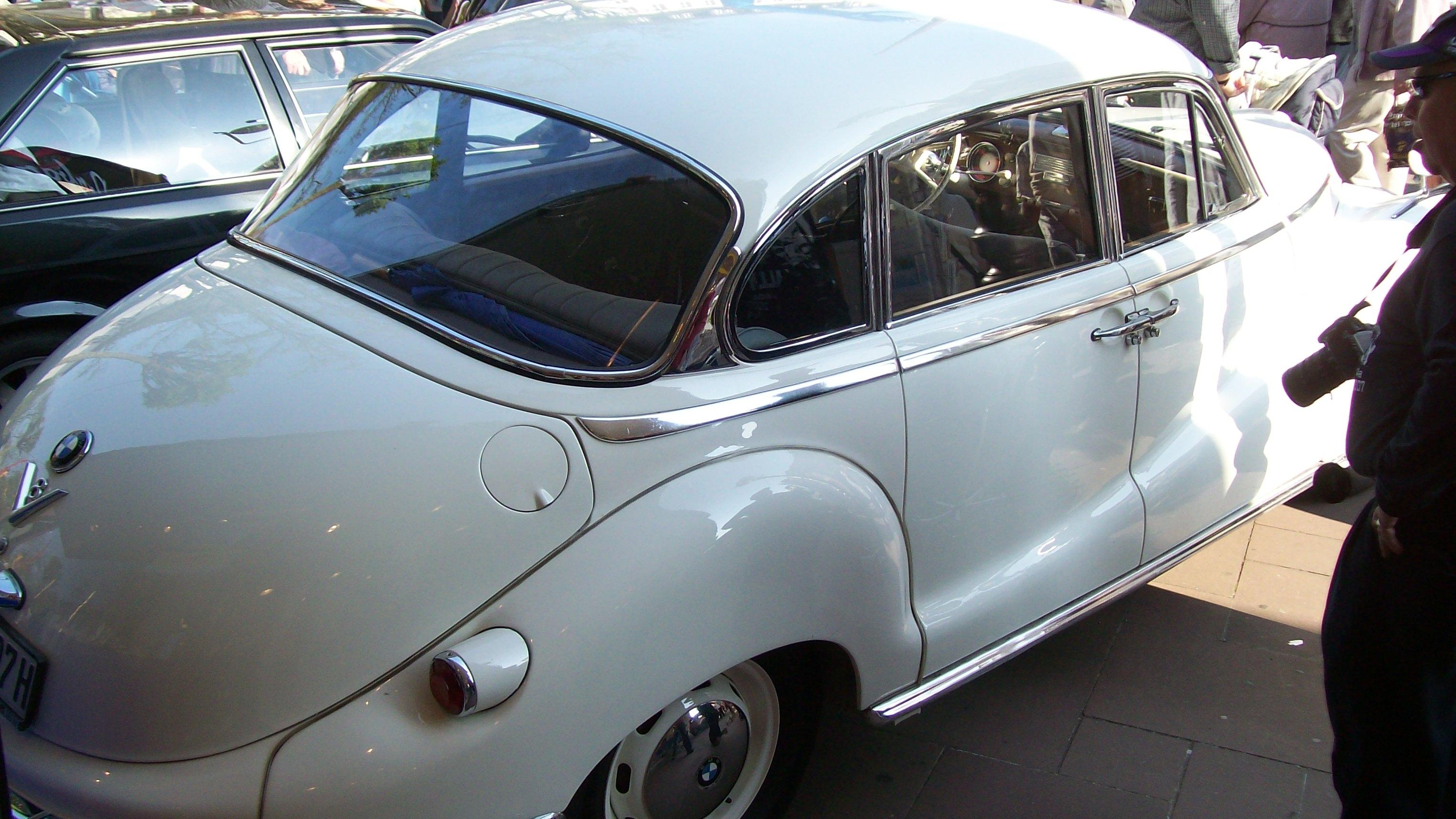 BMW 502: Post War Germany\'s First V8 |