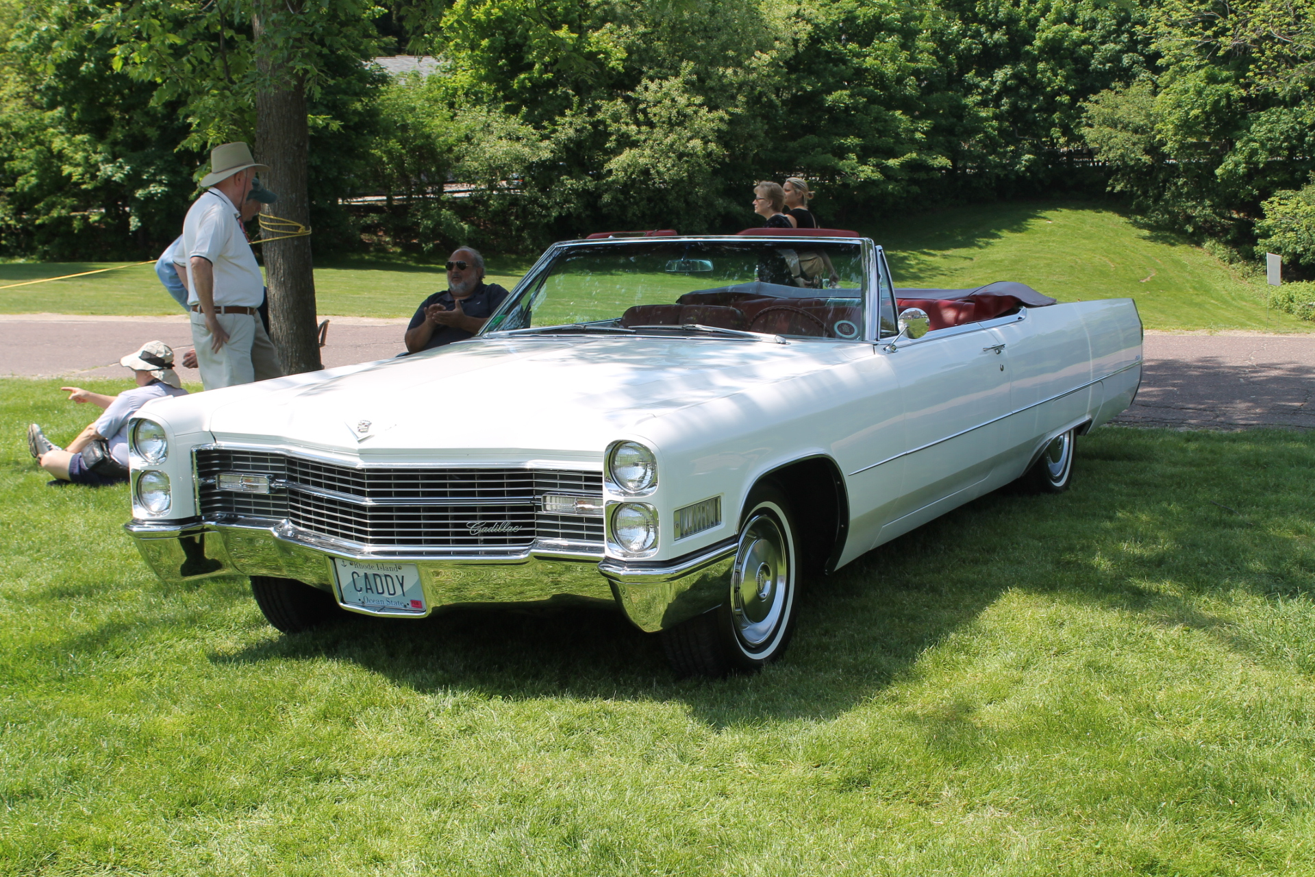 how many 1966 cadillac coupe devilles were made. Black Bedroom Furniture Sets. Home Design Ideas