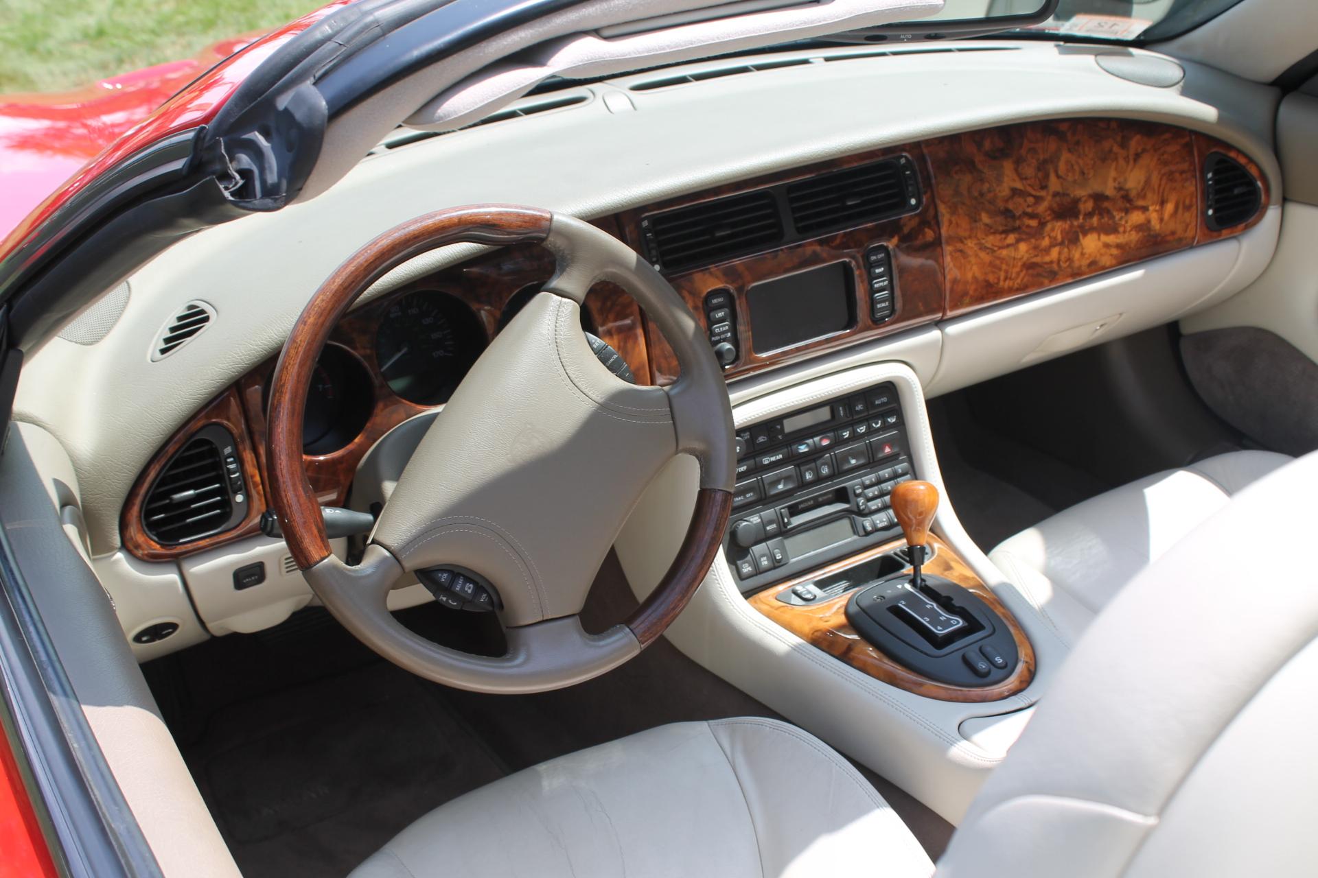 The jaguar xkr