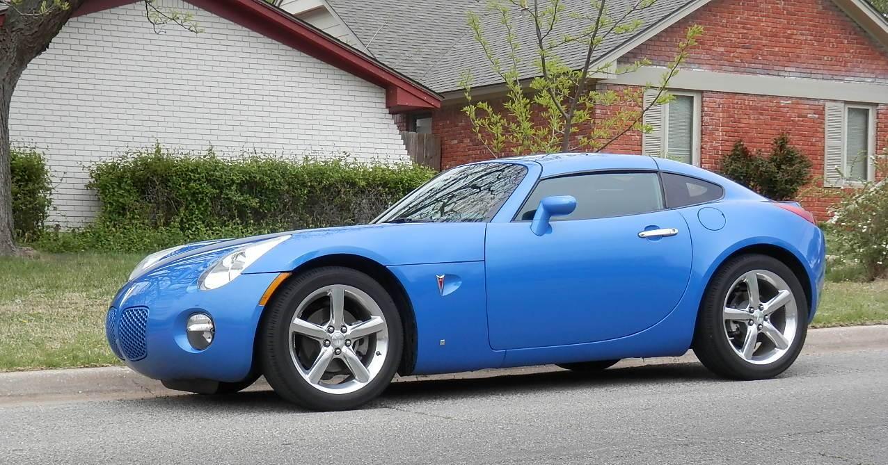 2010 pontiac solstice coupe a rare modern car