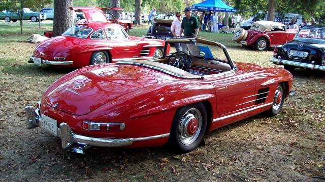 Mercedes-Benz 300SL Coupe and Roadster