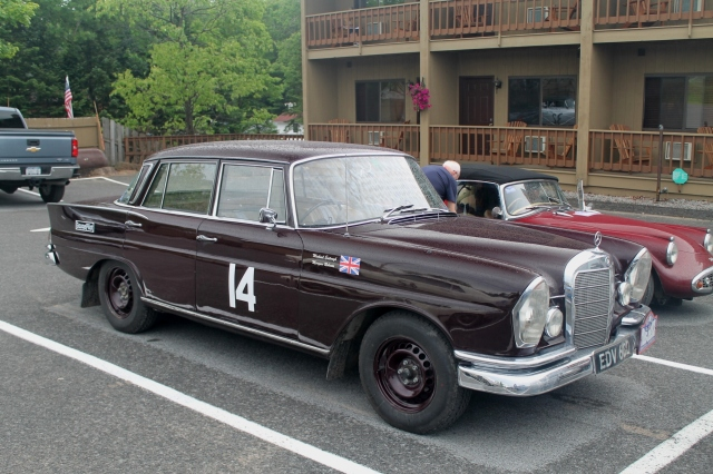 Car 14 Mercedes-Benz 230S 1966 (2)