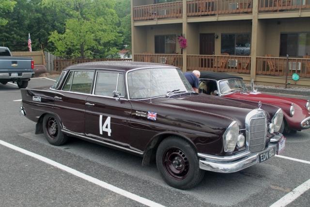 Car 14 Mercedes-Benz 230S 1966 (2)