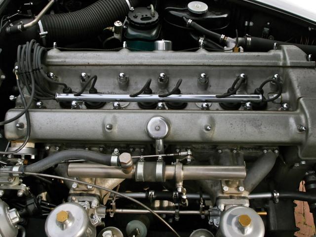 Aston Martin DB4 Engine standard 1960