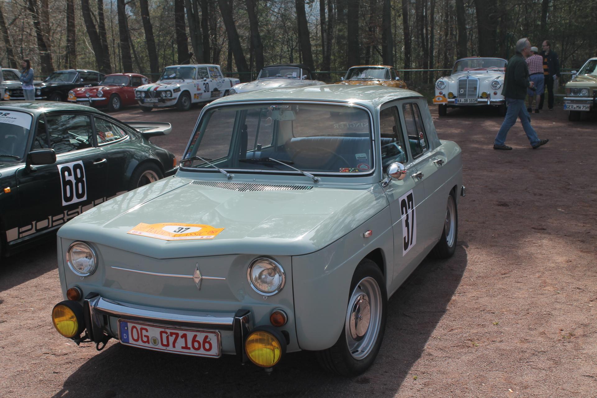 Renault Dauphine Engine
